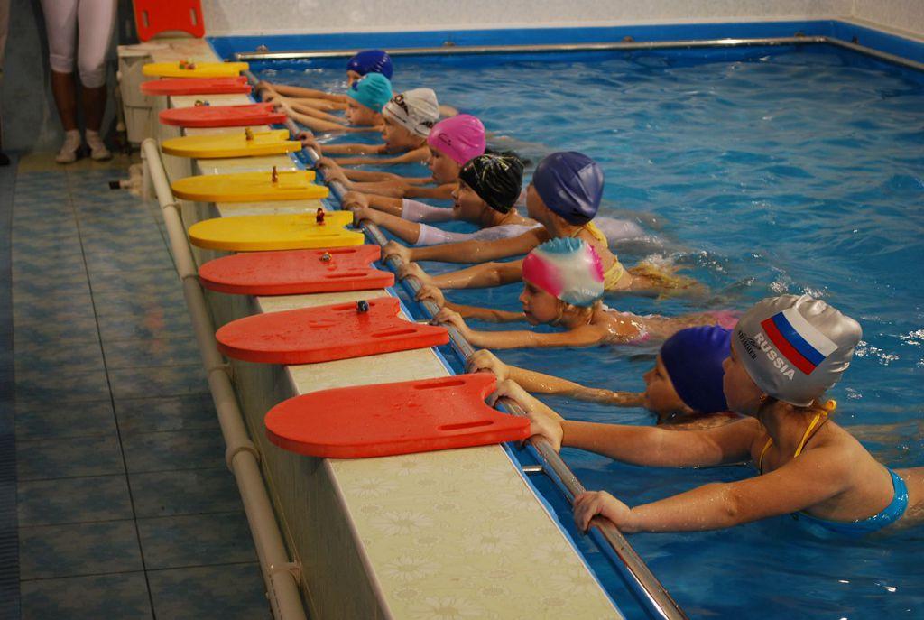 Занятия для детей в бассейне