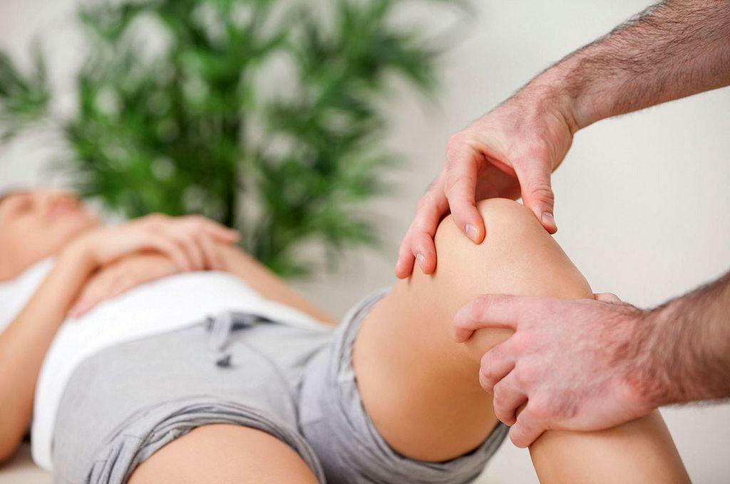 Лечение вывиха колен - массаж