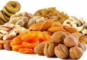 Орехи и сухофрукты полезны