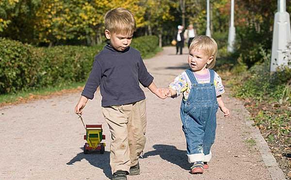 Чаще гуляйте с детьми