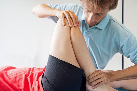 Тендинит или тендиноз (от лат. tendo – сухожилие и itis – воспаление) – воспалительный процесс в мышечных связках, а также в тканях вокруг них
