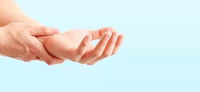 Нагрузка на кисти рук - одна из причин возникновения артрита