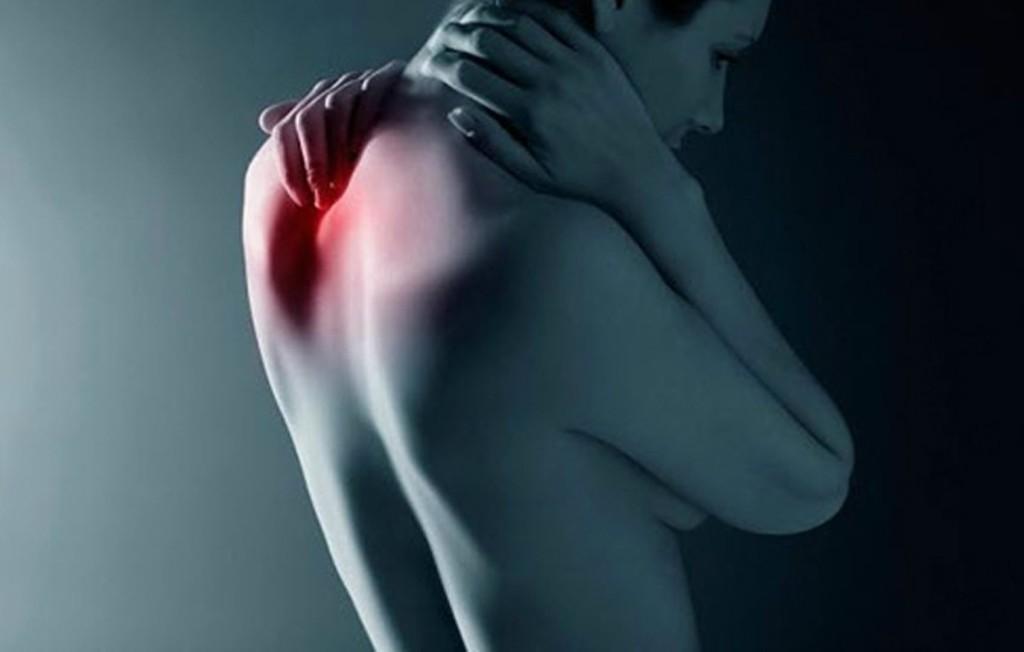Шейным остеохондрозом принято называть дистрофически-дегенеративное заболевание прогрессирующего типа, поражающее межпозвоночные диски шейного отдела позвоночника