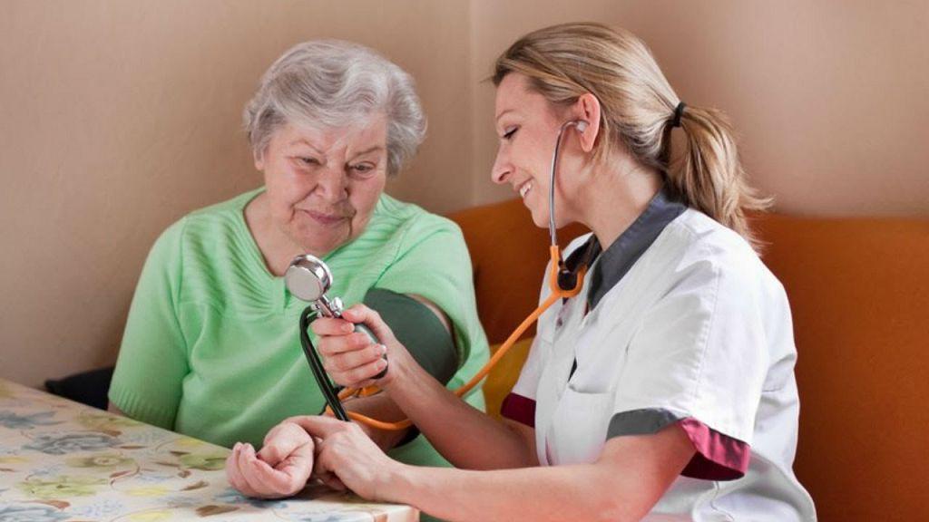 Русская медсестра пришла к пациенту 20 фотография