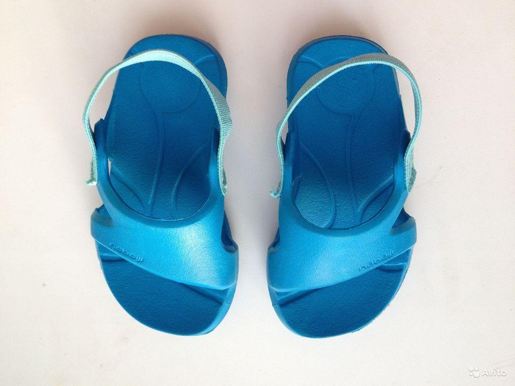 Используйте собственную обувь для бассейна и пляжа