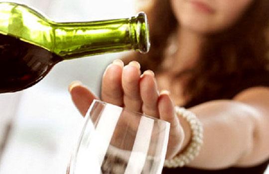 Как помочь женщине избавится от алкоголизма