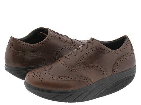 Обувь MBT, помогает снять напряжение со спины и рекомендована больным остеопорозом
