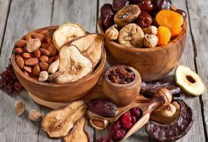 Орехи, сухофрукты и сушеные ягоды