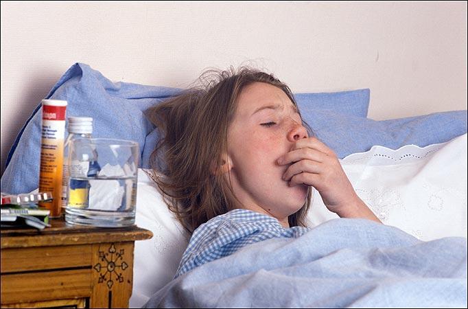Сильный кашель с мокротой, боль в грудине и другие симптомы, которые указывают на необходимость немедленного лечения