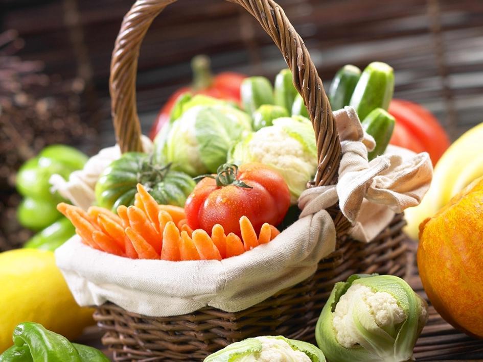 С мясного питания лучше перейти на овощное и фруктовое