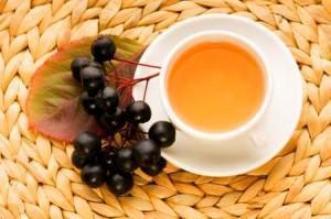 Черноплодная рябина с медом