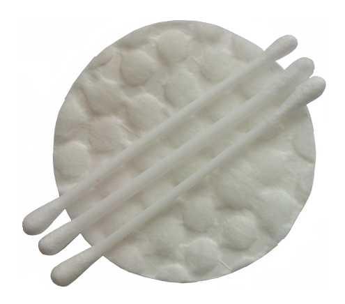Наносите препарат ватной палочкой или диском