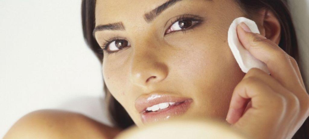 Салициловой кислотой нужно пользоваться разумно, чтобы не пересушить кожу