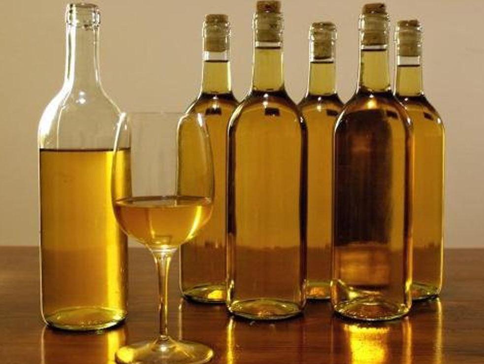 Смешиваем уксус и растительное масло