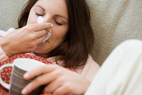 К запрещенным препаратам при беременности относятся капли, которые содержат антибиотики