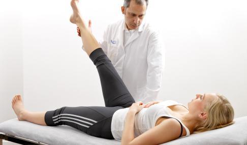 При боли в спине не поднимается нога