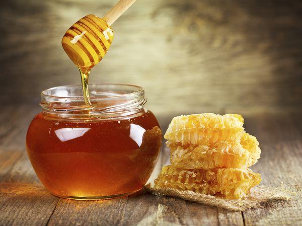 Пчелиный мед снижает кислотность желудочного сока