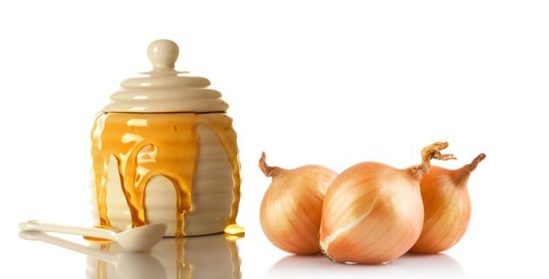 Смесь из лука и меда отличное средство от пневмонии