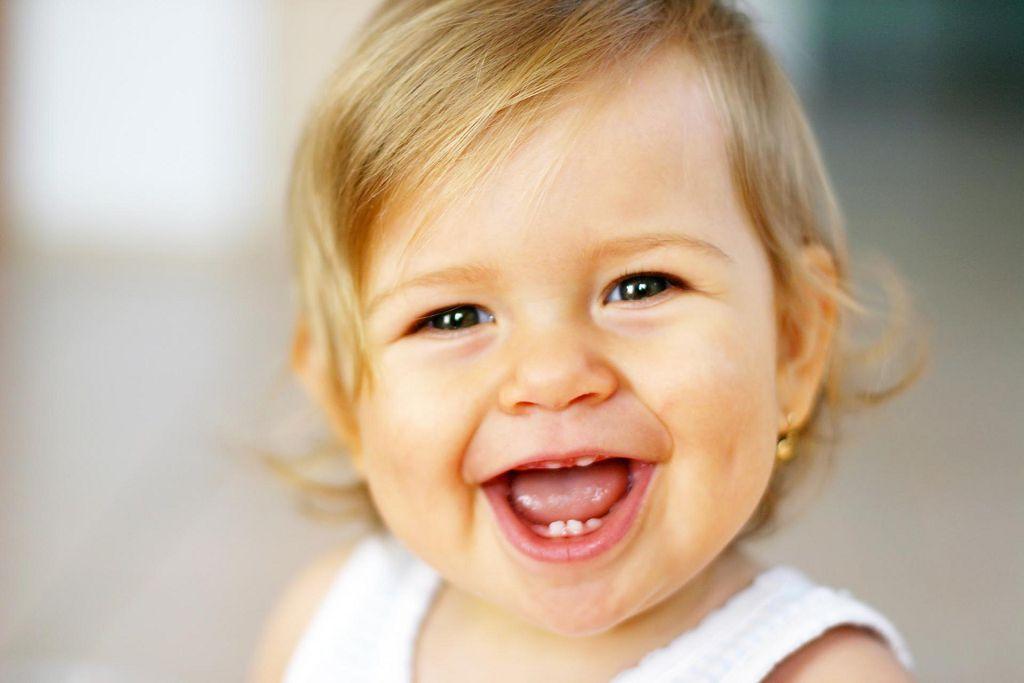 Даже нарушение осанки может спровоцировать у ребенка неправильный прикус