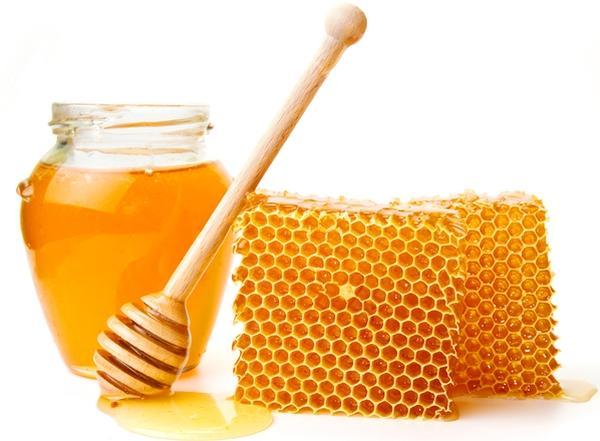 Медовые капли нельзя использовать при наличии аллергической реакции на продукты пчеловодства