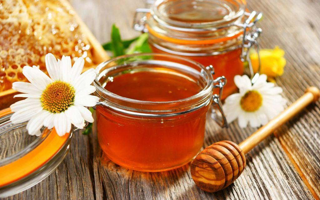 Мед снимает раздражение воспаления кишечника и налаживает пищеварение
