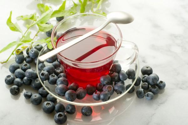 Черничный чай принимают по 50 г три-четыре раза в сутки