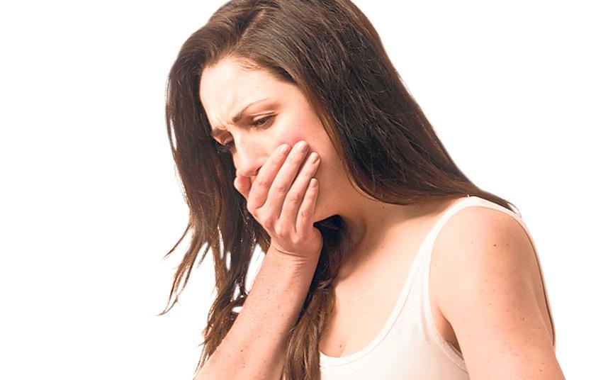 Токсикоз на 1 триместре может стать причиной болей в животе в правом боку