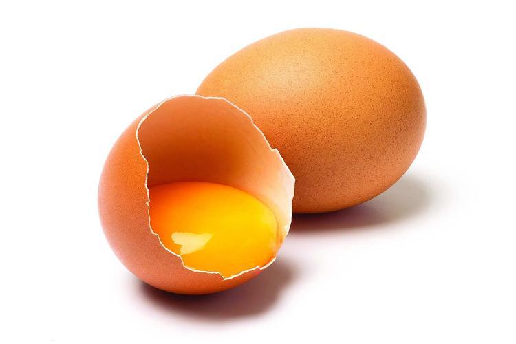 Яичные желтки используют для лечения фурункула