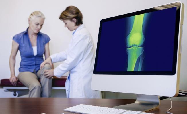 Медицинский осмотр колена