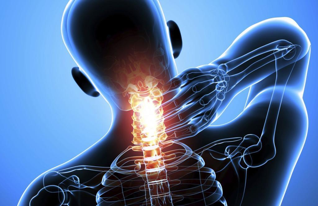 Нарушается нормальное движение в шейном отделе и  появляются различные неврологические симптомы
