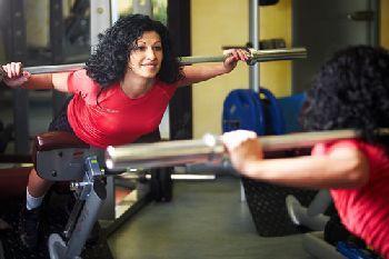 Нельзя перегружать спину и делать долгие перерывы между тренировками