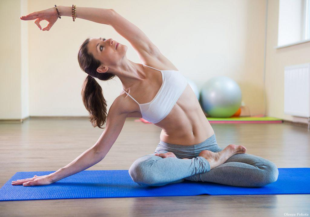 Йога представляет собой комплекс упражнений, развивающих силу, спокойствие и выносливость тела