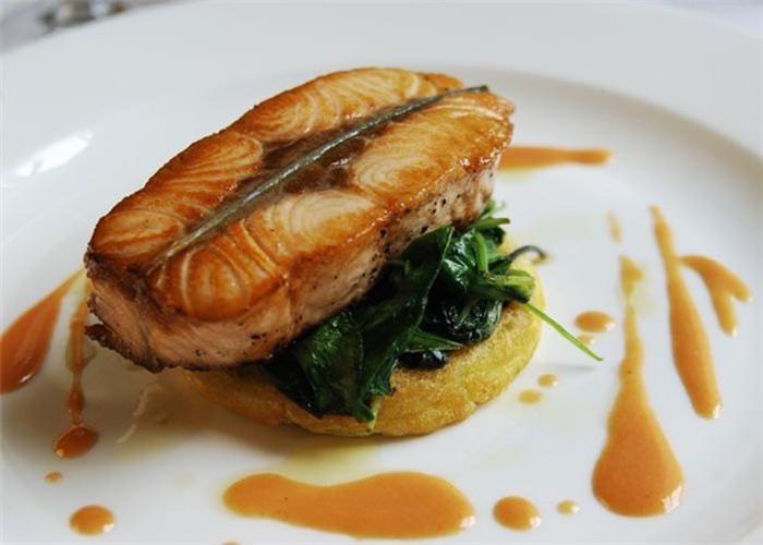 Низкокалорийная нежирная рыба