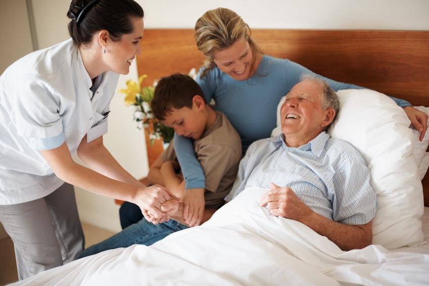 Важным этапом восстановления после инсульта является включение выздоравливающего в жизнь семьи