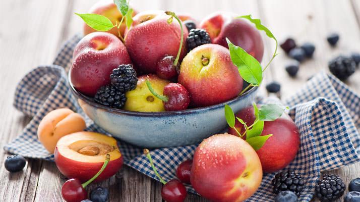 Все фрукты и овощи обязательно нужно мыть перед едой