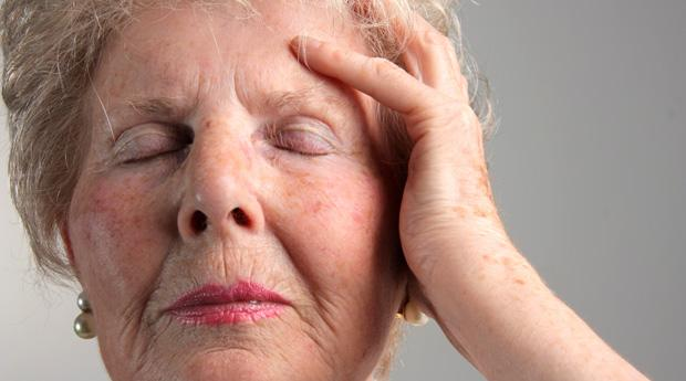 Из-за левостороннего инсульта может возникнуть нарушение функций речи