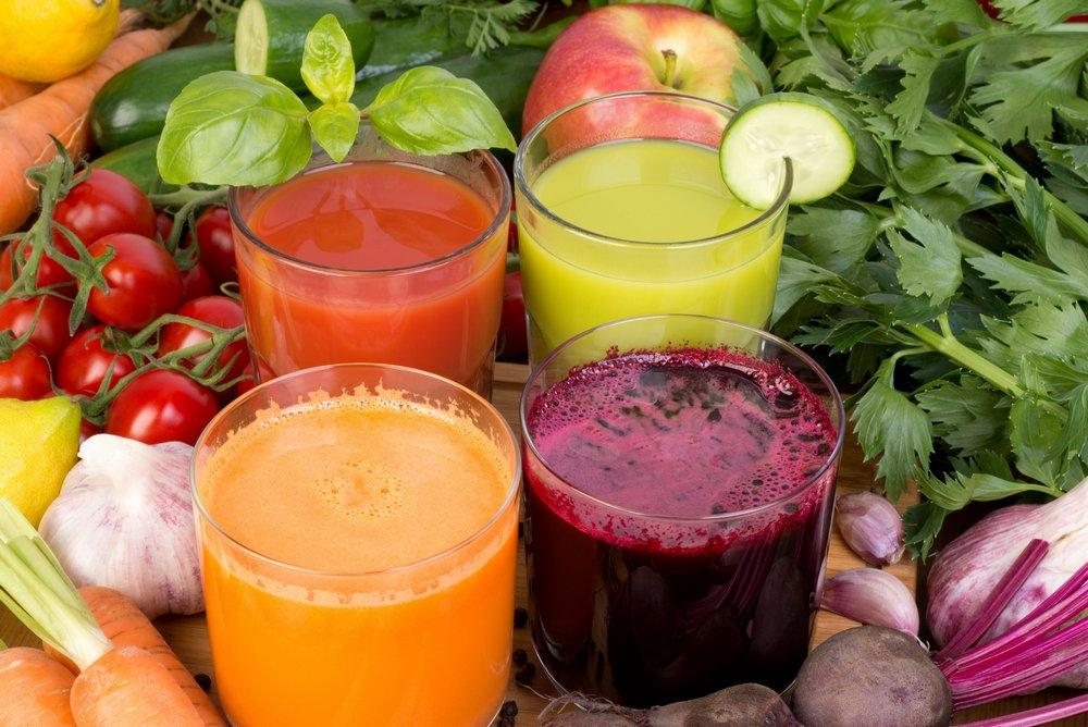 Принимать овощные соки стоит людям с язвой и гастритом