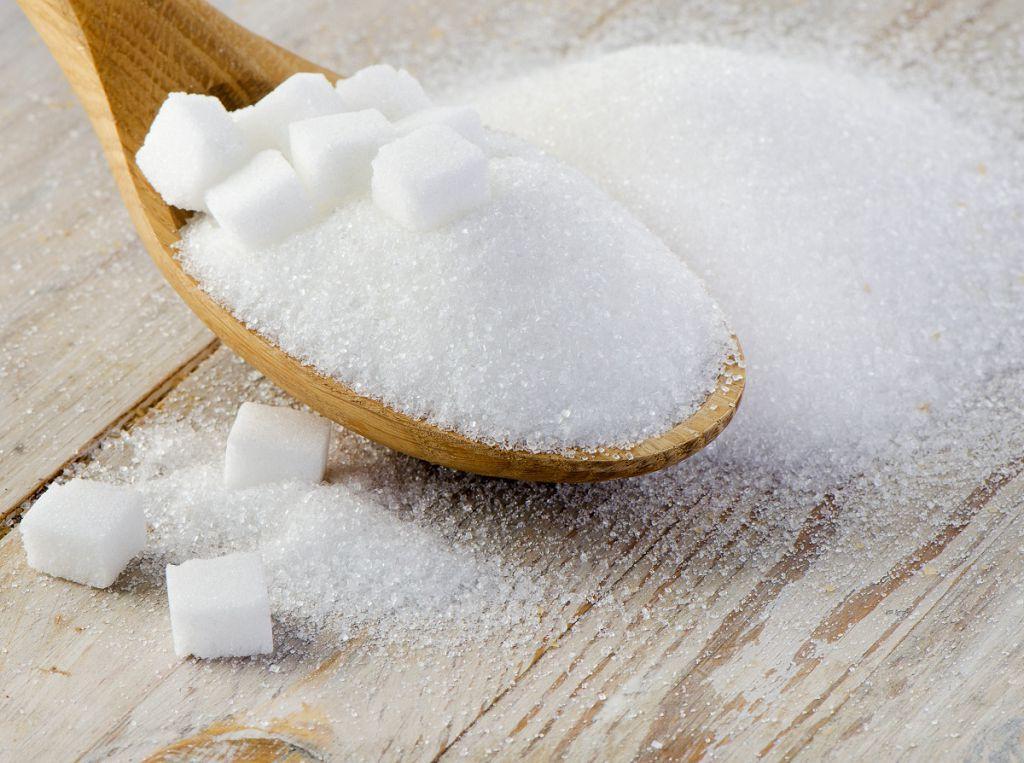 При дисбактериозе необходимо уменьшить потребление сахара