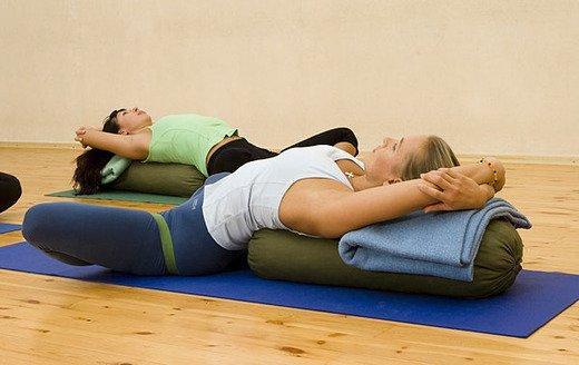 Асаны йоги при сколиозе