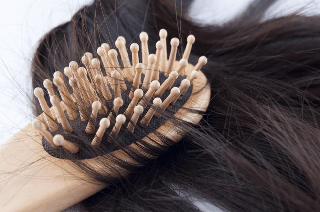 Если волосок выпал с луковицей, значит причин для беспокойства нет