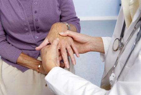 Лечение артрита пальцев рук нужно начинать незамедлительно