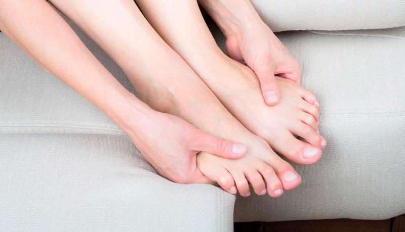 Онемение и сухая кожа, нарушен рост ногтей