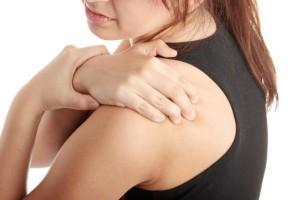При разрыве связок появляется резкая боль