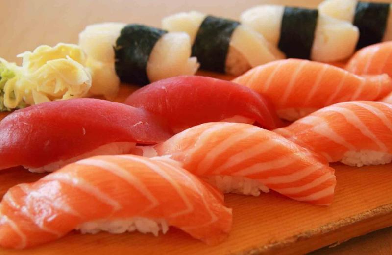 Сырая рыба может содержать яйца глистов