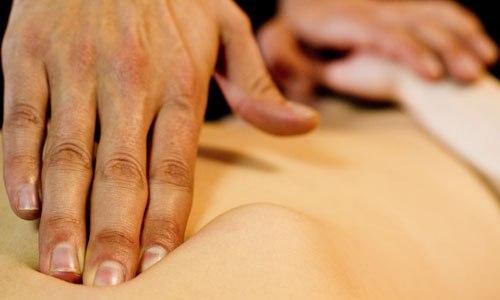 Висцеральный массаж (или висцеральная хиропрактика) — это специализированная техника воздействия руками на внутренние органы и глубоко лежащие ткани организма