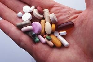 Иммунодепресса́нты (иммуносупрессивные препараты, иммуносупрессоры) — это класс лекарственных препаратов, применяемых для обеспечения искусственной иммуносупрессии (искусственного угнетения иммунитета)