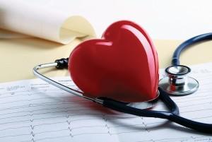 Врожденные пороки развития сердечно-сосудистой системы, неправильный обмен веществ в организме, нарушения в работе гормональных органов