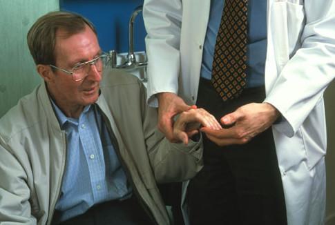 Болезнь Паркинсона - фото
