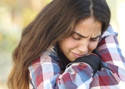 Боль в грудине и ком в горле - что значат симптомы