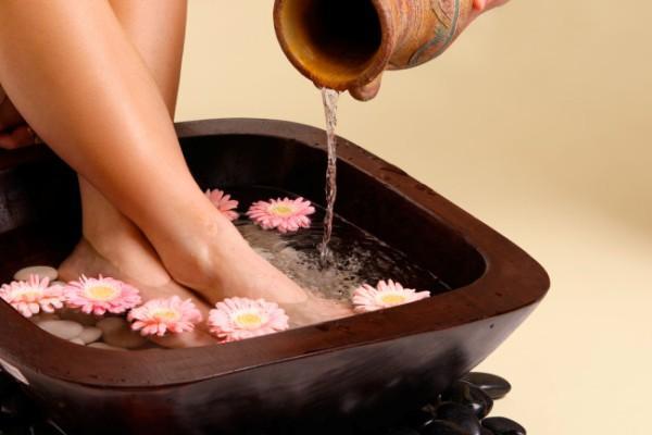 Ванночки с уксусом помогут победить грибок